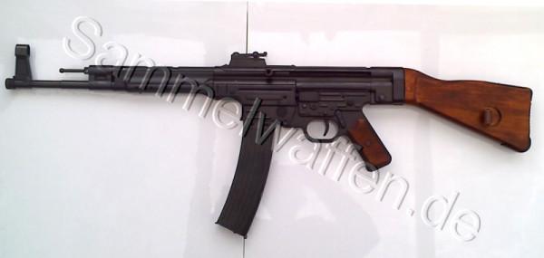 MP 44 ohne Ledertrageriemen.